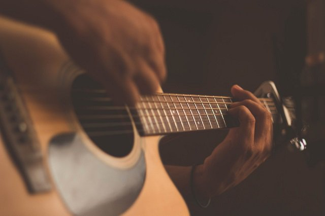 104 Good But Easiest Songs For Beginner Guitarists To Play on Guitar