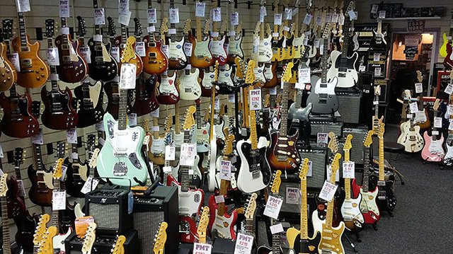 11.3 Types of Electric Guitars - 2020 Guide